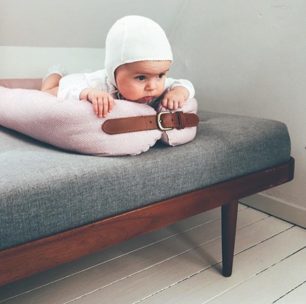 Filibabba babynest i sofaen